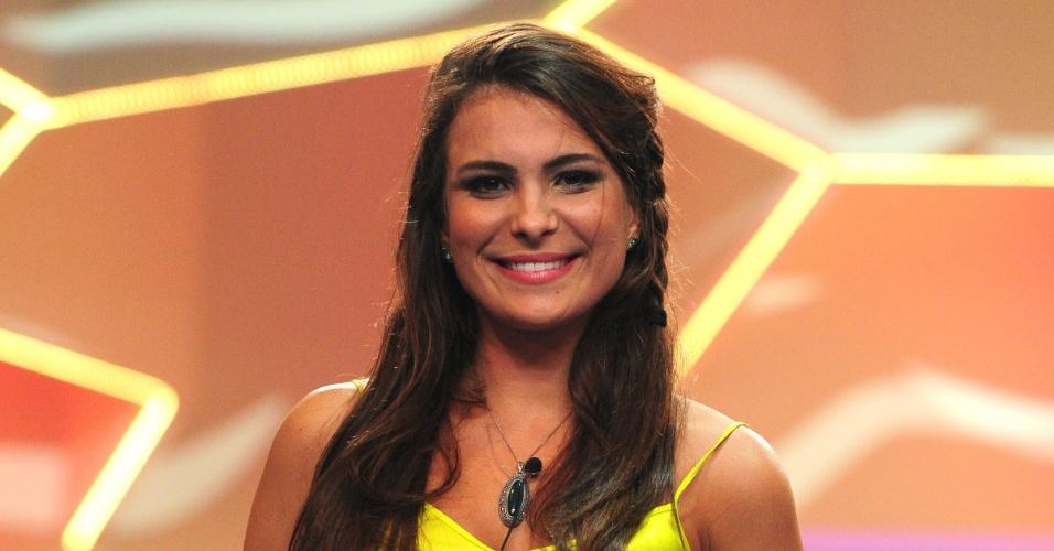 12.mar.2013 - Kamilla sorri após a eliminação. Ela teve 68% dos votos do público