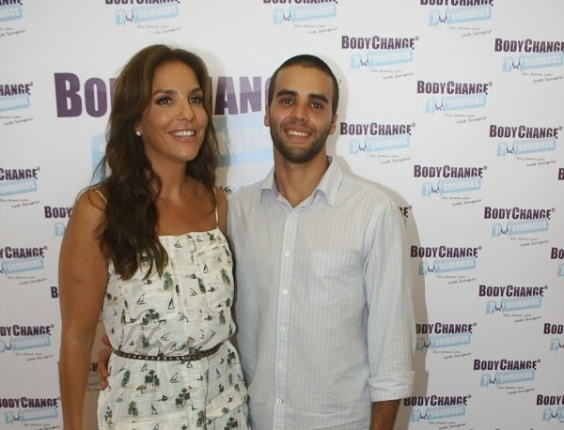 13.mar.2013 - Ivete Sangalo e o marido, o nutricionista Daniel Cady, lanaram um programa de reduo de medidas. O evento foi realizado em Salvador, Bahia