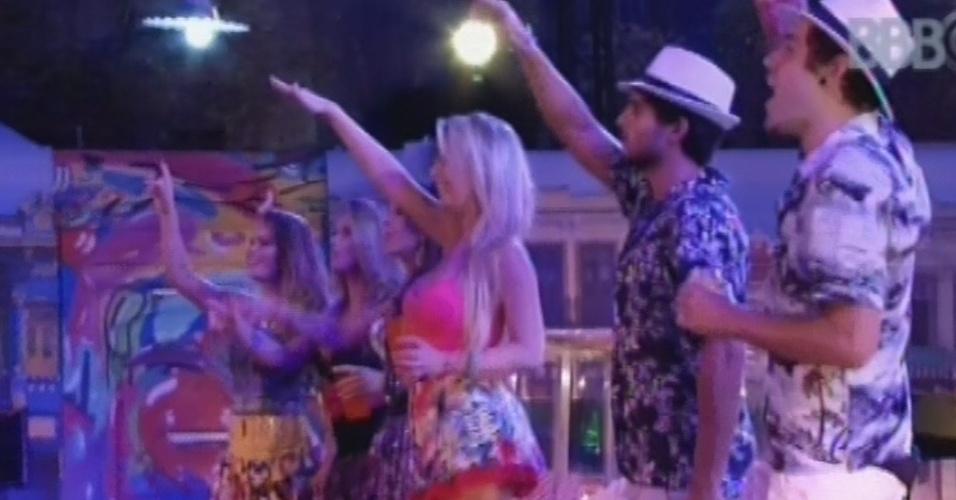 13.mar.2013 - Natália, Fani, Andressa, Fernanda, André e Nasser aproveitam show do Sorriso Maroto