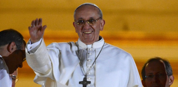 O cardeal argentino Jorge Mario Bergoglio, nomeado papa Francisco 1º
