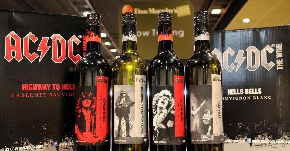 Os australianos do AC/DC apostaram numa linha de vinhos que leva os nomes de suas principais canções nos rótulos.