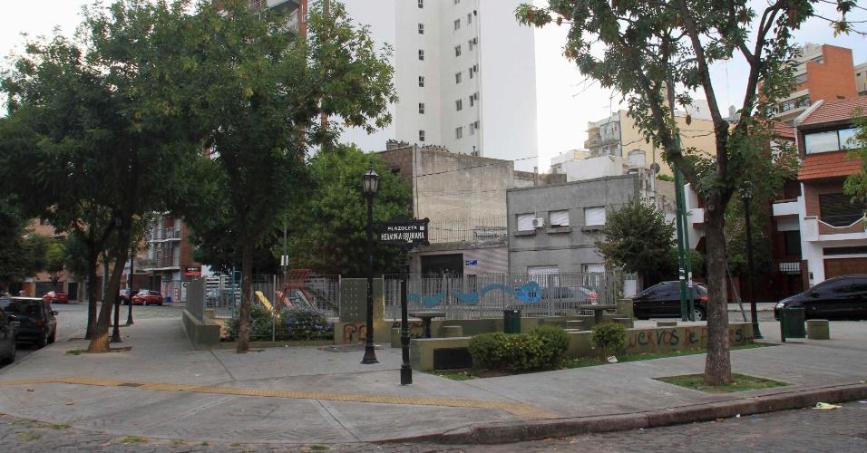 13.mar.2013 - Praça Herminia Brumana, no bairro de Flores, em Buenos Aires, onde o papa Francisco 1º passou a infância