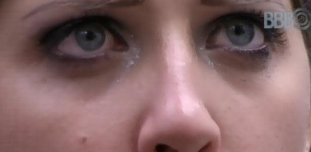 13.mar.2013 - Andressa chora e diz que Nasser estava olhando para a bunda da Fani e Natália