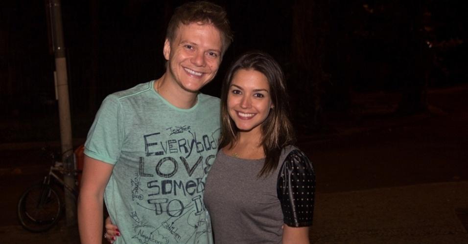 13.mar.2013 - Michel Teló e Thais Fersoza saem para jantar em restaurante na zona sul do Rio de Janeiro