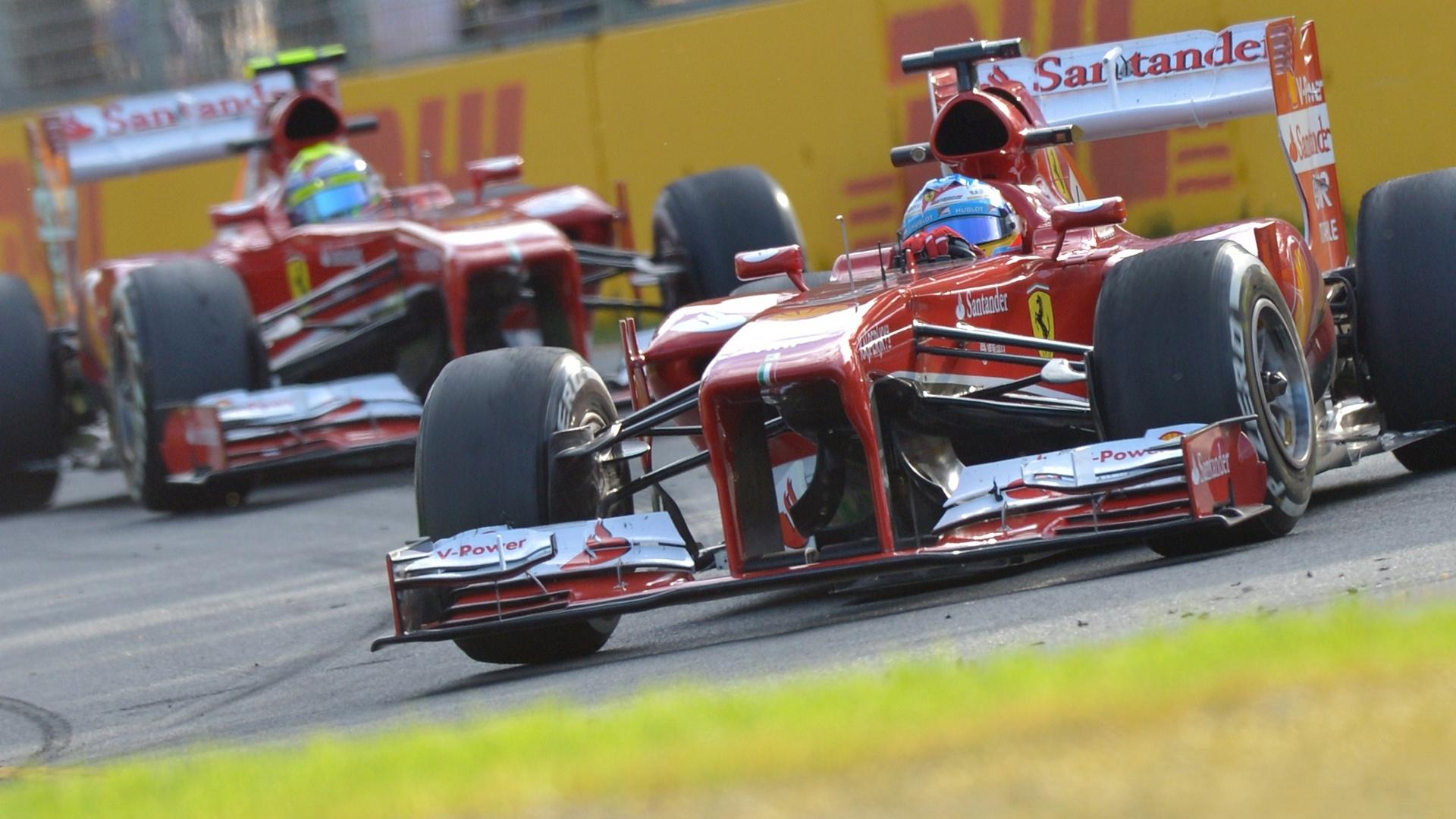 15.mar.2013 - Fernando Alonso ficou à frente de Felipe Massa nos treinos livres do GP da Austrália