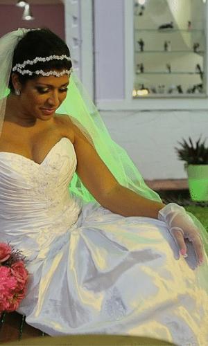 15.mar.2013 - Mulher Moranguinho tem dia de noiva