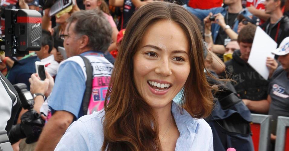 15.mar.2013 - Tradição na F-1: a modelo japonesa Jessica Michibata, namorada de Jenson Button, não deixou de aparecer para prestigiar a abertura da temporada 2013 da F-1, em Melbourne, Austrália