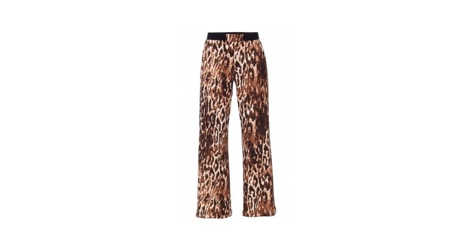 A delegada Helô (Giovanna Antonelli) é sempre vista usando estampas animais. Calça estampada; R$ 158,40, na The Boutique (www.theboutique.com.br). Preço pesquisado em março de 2013 e sujeito a alterações