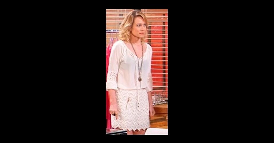 A saia de renda branca usada pela personagem Juliana (Mariana Ximenes) fechou a lista de 10 itens de figurino mais procurados pelos telespectadores da Globo. A peça é da loja A. Brand (www.abrand.com.br)