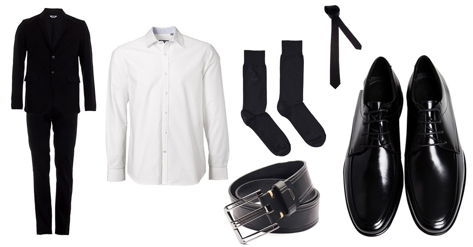 Atenção: as gravatas lisas são as mais formais que existem, portanto tenha cuidado ao combiná-las com terno preto e camisa branca, dependendo da ocasião na qual vai usar o conjunto. Use sapato, cinto e meias na cor preta