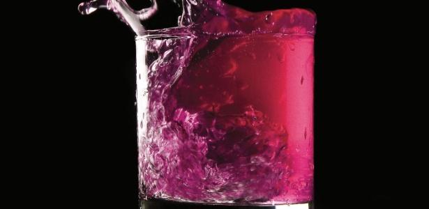 Yxaiio pheromones® combina ingredientes como pimenta, extrato de guaraná, cafeína e L-arginina