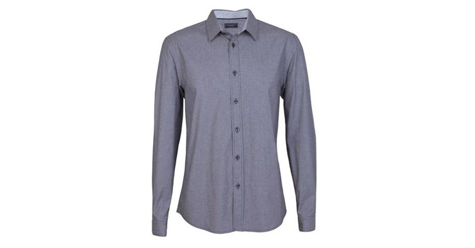 Camisa em algodão de manga longa; R$ 69,90, na Riachuelo (Tel.: 3003-4342). Preço pesquisado em março de 2013 e sujeito a alteração