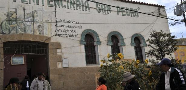 Corintianos estão presos na Penitenciária San Pedro, em Oruro, na Bolívia