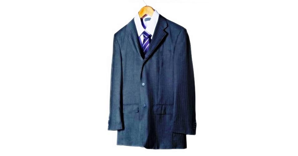 O padrão risca-de-giz é ótimo para usar em ocasiões formais como casamentos, por exemplo.  Costume risca-de-giz (R$ 299),  camisa social de manga longa (R$ 99) e gravata listrada (a partir de R$ 79), na Upper  (Tel.: 11 3522-5459). Preço pesquisado em março de 2013 e sujeito a alteração