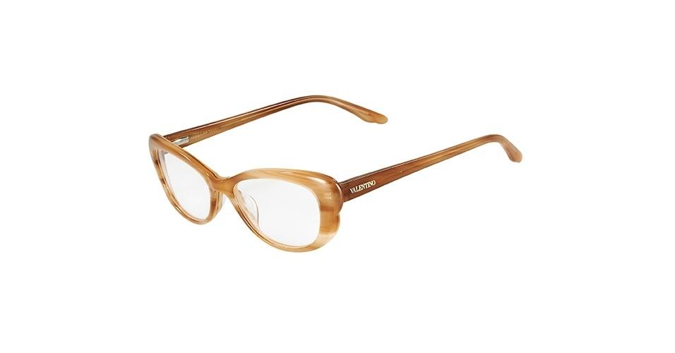 Óculos bege; R$ 709, da Valentino, na Marchon (SAC: 0800-707-1516). Preço pesquisado em março de 2013 e sujeito a alterações