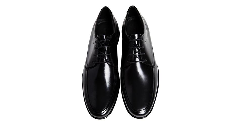 Sapato em couro de amarrar; R$ 388, na Noir (SAC 0300 7702727). Preço pesquisado em março de 2013 e sujeito a alteração