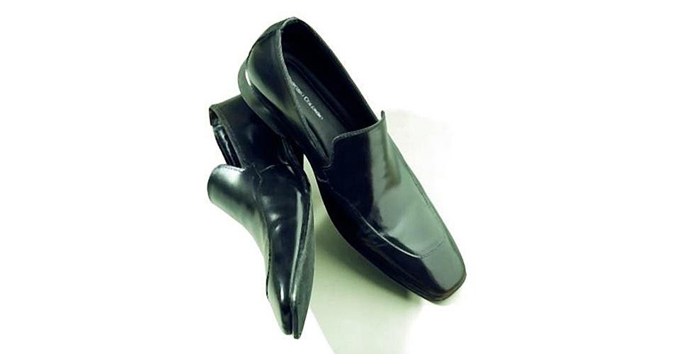 Sapato de couro; R$ 99,95, na Colombo (Tel.: 11 3522-5642). Preço pesquisado em março de 2013 e sujeito a alteração