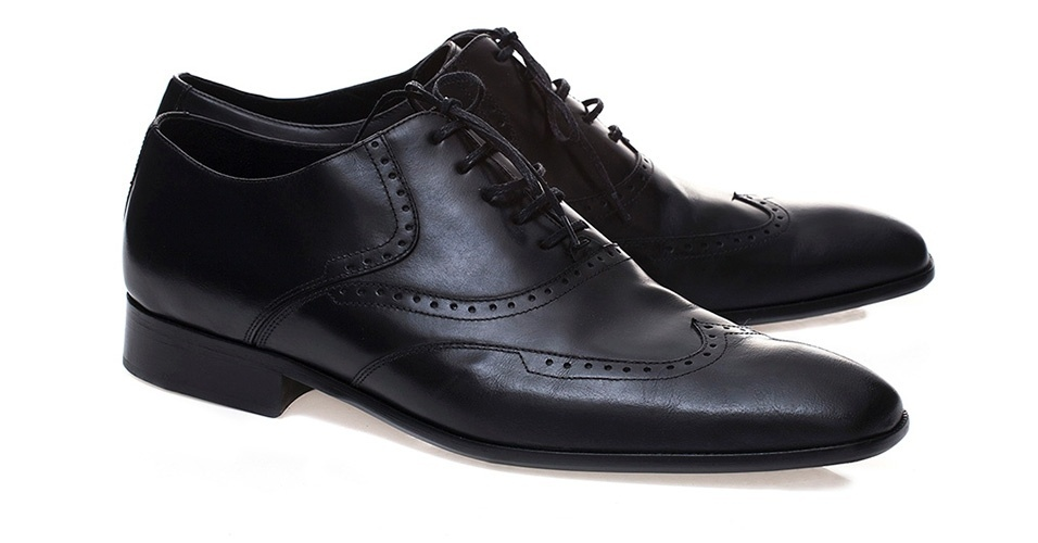 Sapato em couro estilo brogue; R$ 250, na Mr. Kistch (Tel.: 11 5092-2063). Preço pesquisado em março de 2013 e sujeito a alteração