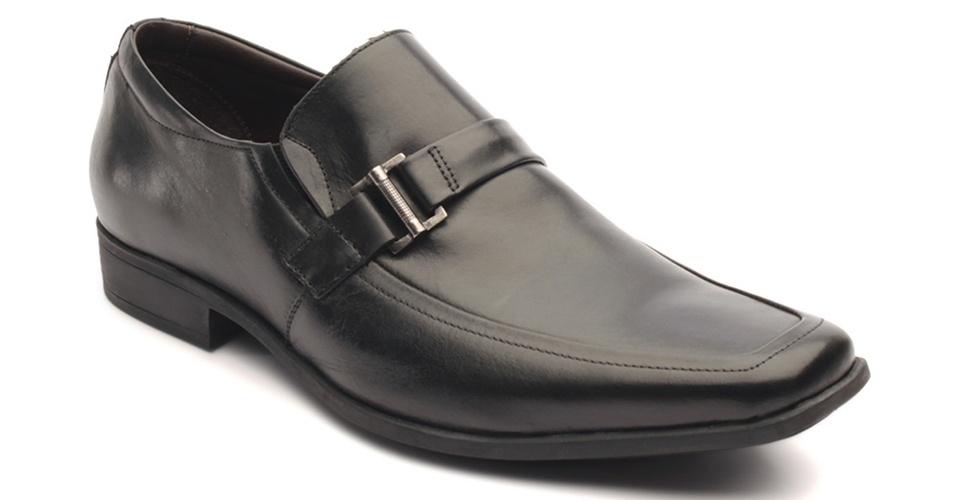 Sapato em couro; R$ 117, na Di Pollini (Tel.: 11 5052-8097). Preço pesquisado em março de 2013 e sujeito a alteração