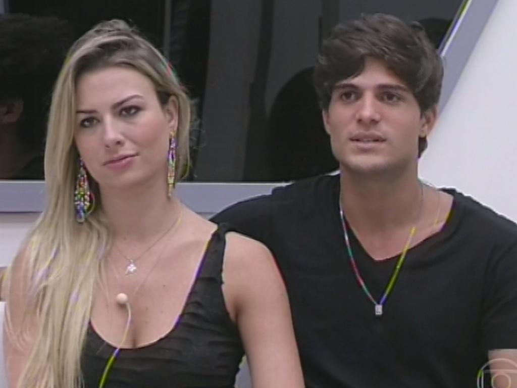 17.mar.2013 - Fernanda diz que, apesar de achar que a saída de Nasser é melhor para seu jogo, está com o