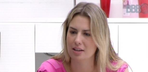 17.mar.2013 - Fernanda diz que está insegura com André