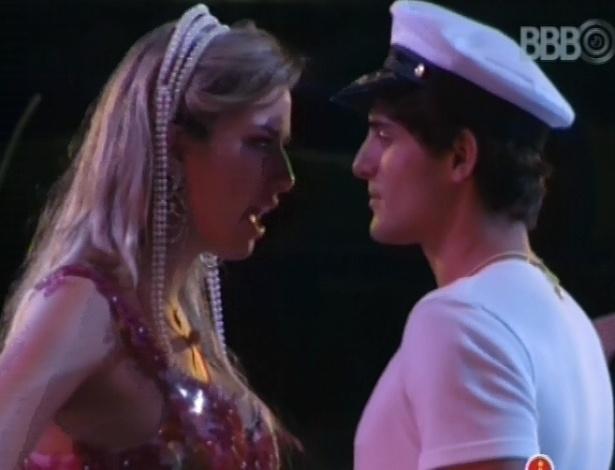 17.mar.2013 - Fernanda e André conversam sobre mal-entendido em festa passada