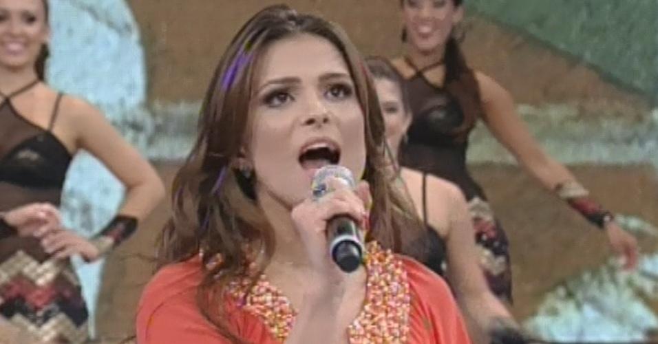 17.mar.2013 - Kamilla canta