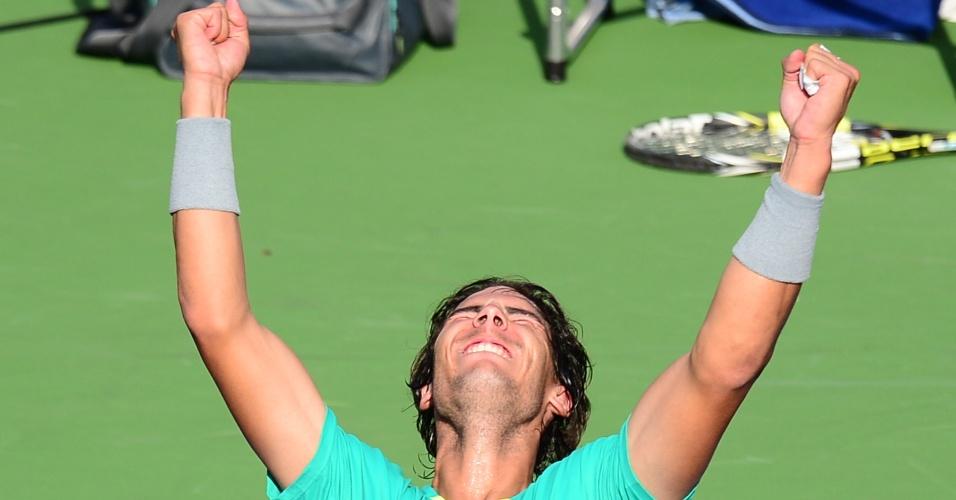 17.mar.2013 - Nadal comemora título em Indian Wells