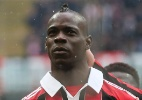 Balotelli estreia Twitter, manda abrao para Neymar e  suspenso