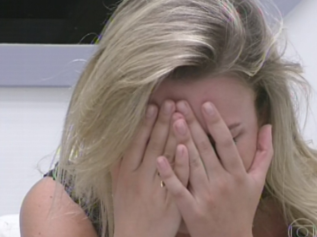 17.mar.2013 - Fernanda chora ao descobrir que está no décimo segundo paredão do