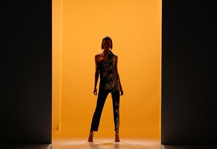 18 mar. 2013 - Karlie Kloss abre o desfile da Animale para o Verão 2014 no primeiro de São Paulo Fashion Week