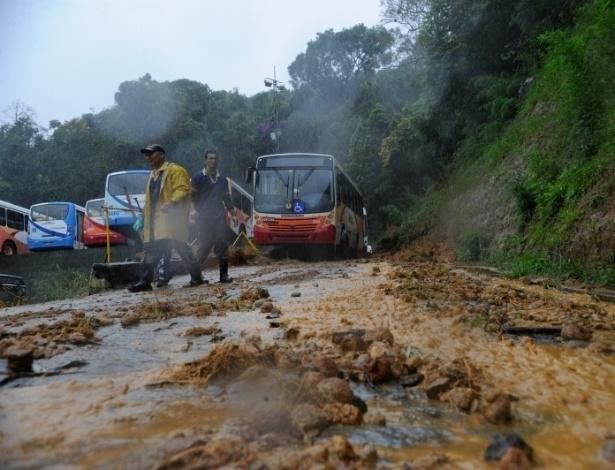 18.mar.2013 - Área afetada pela chuva em Petrópolis, na região serrana do Rio de Janeiro. O temporal que atingiu a cidade na tarde do domingo (17) provocou 16 mortes em decorrência da chuva na cidade