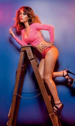 """18.mar.2013 - Filha de Nando Reis, a atriz e apresentadora Sophia, fez ensaio para a edição de março da """"Status"""""""