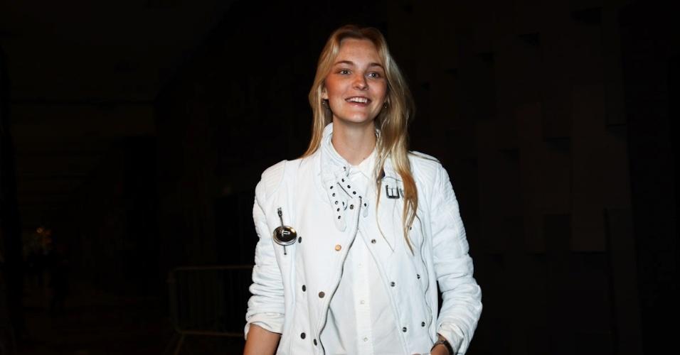 18.mar.2013 - Grávida, a modelo Carol Trentini prestigiou o primeiro dia da São Paulo Fashion Week Verão 2014 que acontece na Bienal, em São Paulo