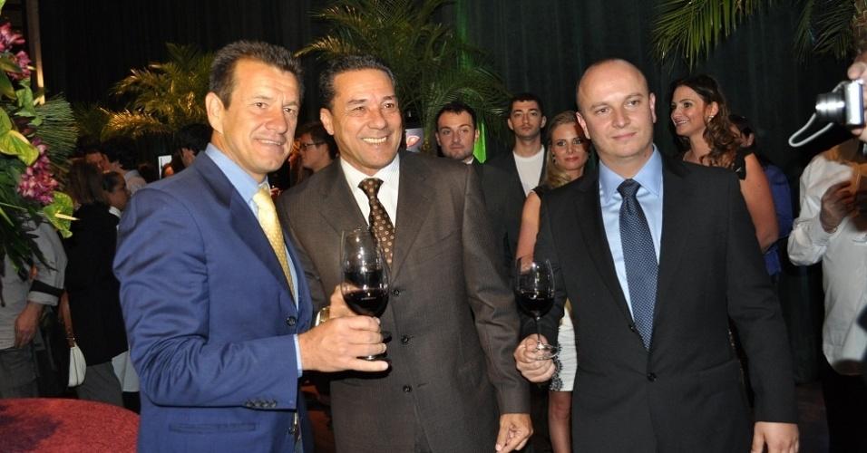 Dunga, Luxemburgo e Rafael Antonio Zardo em lançamento de site de vinhos