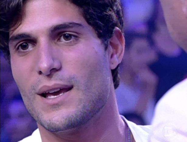 """19.mar.2013 - Com 74,87 André foi eliminado do """"BBB13"""". Fernanda obteve 25,13% dos votos. """"O que eu e a Fernanda vivemos foi intenso"""", afirma o capixaba para Bial"""