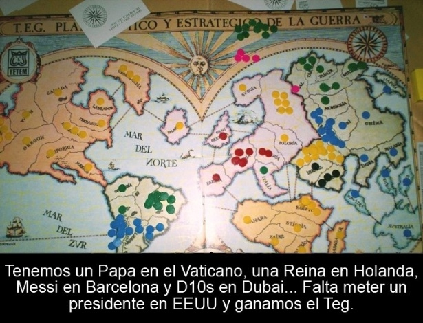 19.mar.2013 - Esta montagem sobre a eleição do argentino papa Francisco faz alusão ao jogo de tabuleiro War, que simula uma guerra mundial.
