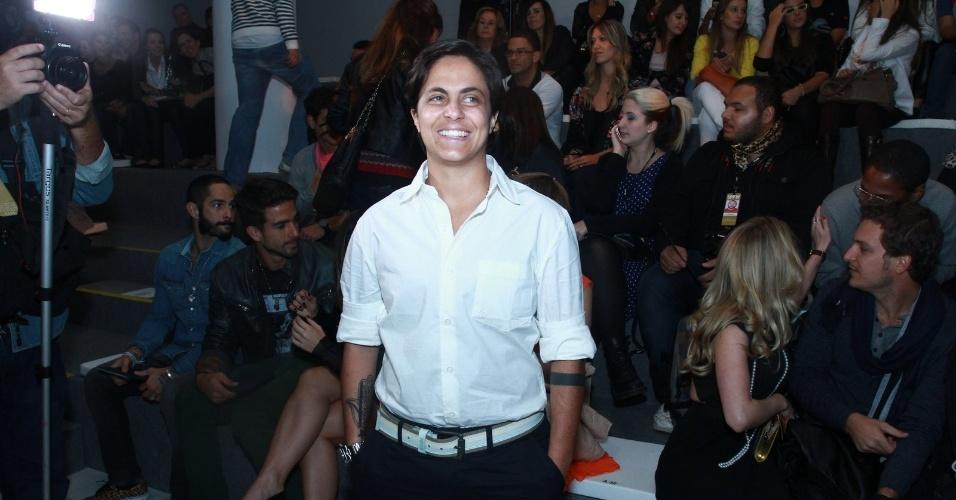 19.mar.2013 - Thammy Miranda prestigiou o segundo dia de desfiles da São Paulo Fashion Week Verão 2014 que acontece na Bienal, em São Paulo