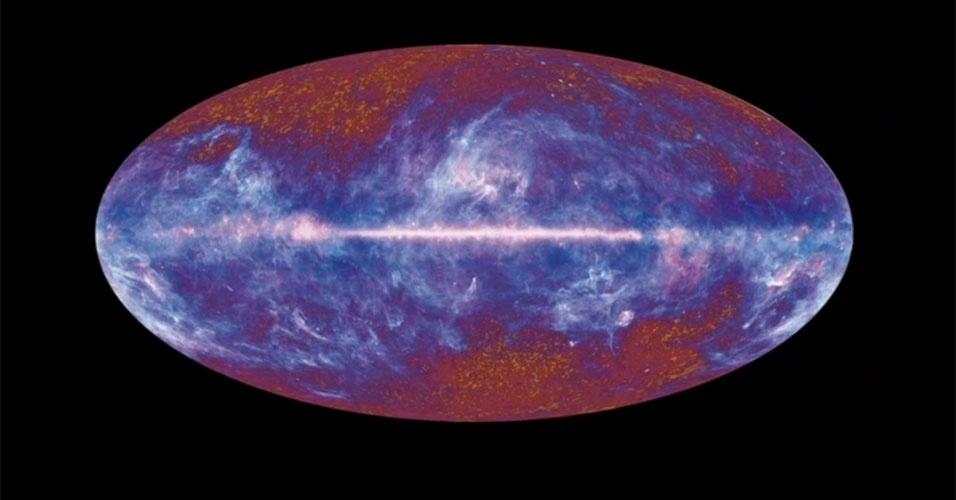 """Março - Cientistas europeus divulgam novas imagens da """"luz mais antiga"""" do universo compiladas pelo satélite europeu Planck. As imagens devem fornecer informações sem precedentes sobre as origens e a evolução do cosmos. A expectativa é de que o Planck possa dizer o que aconteceu nos primeiros milionésimos de bilionésimos de segundo depois do Big Bang, quando o universo que podemos observar hoje ocupava quase nenhum espaço"""