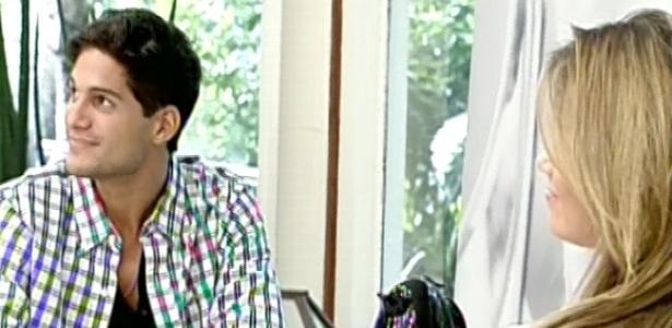 20.mar.2013 - A apresentadora Ana Maria Braga recebe André e Fani no programa Mais Você