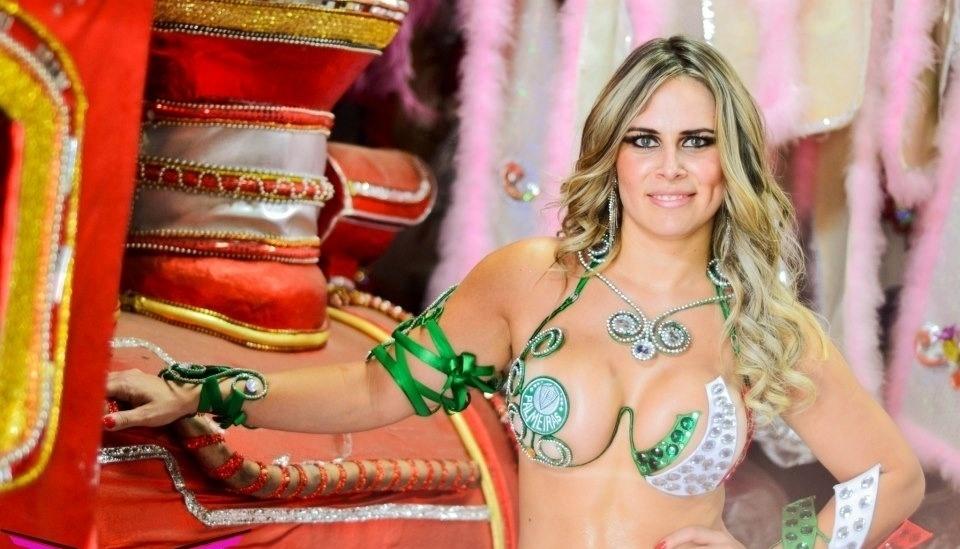 Aline Silva se inscreveu para representar o Palmeiras no Belas da Torcida 2013