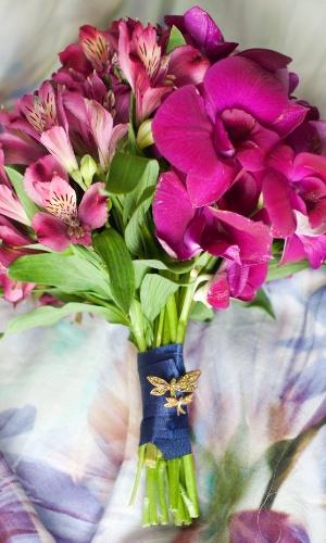 Buquê de orquídeas e alstroeméria; a partir de R$ 500,00, na Fleur d?Épices (www.fleurdepices.com.br). Preço pesquisado em março de 2013 e sujeito a alterações