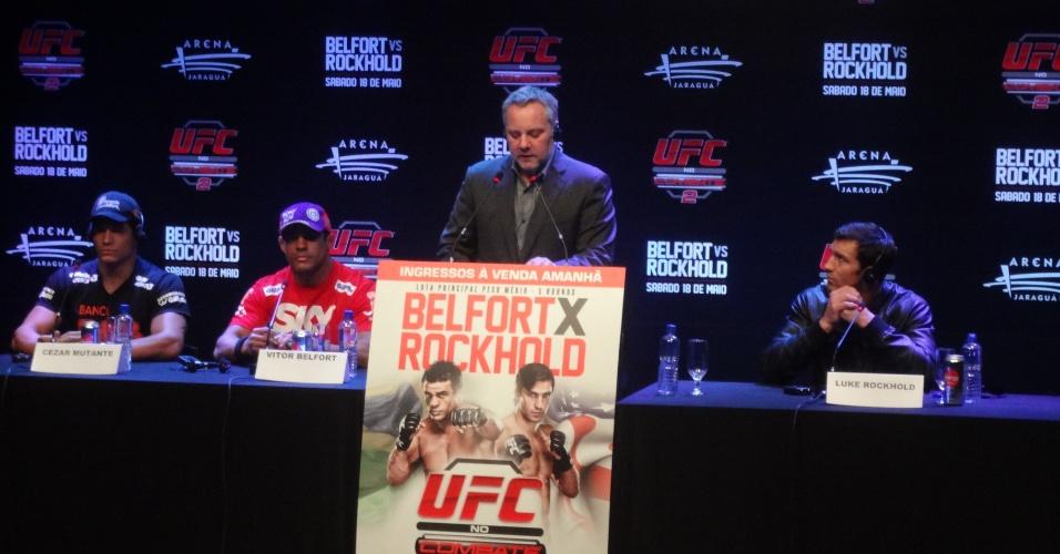 Marshall Zelaznik, diretor do UFC, ao lado de Cezar Mutante, Vitor Belfort e Luke Rockhold em Jaraguá do Sul