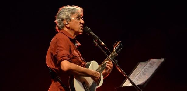 """Caetano Veloso se apresenta na estreia no Rio de Janeiro da turnê """"Abraçaço"""", no Circo Voador"""