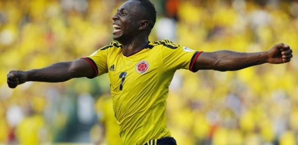 Pablo Armero comemora gol da Colômbia contra a Bolívia nas eliminatórias