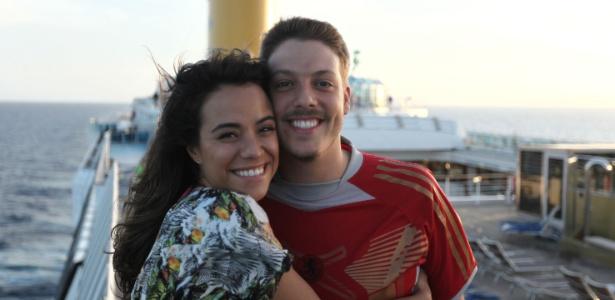 """Miá Mello e Fábio Porchat à bordo do navio Costa Favolosa, onde é filmado a comédia romântica """"Meu Passado Me Condena"""""""