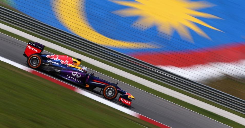Campeão da temporada passada, Vettel fez o 3º melhor tempo no primeiro treino no GP