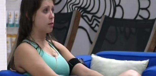 22.mar.2013 - Andressa afirma que Nasser está estranho com ela