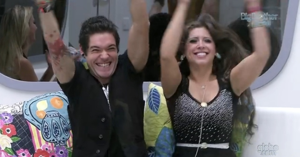 23.mar.2013 - Nasser e Andressa comemoram vaga na final