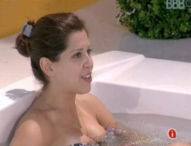 Andressa revela para Natália e Fernanda que sentia mais ciúme de Ivan que de Nasser